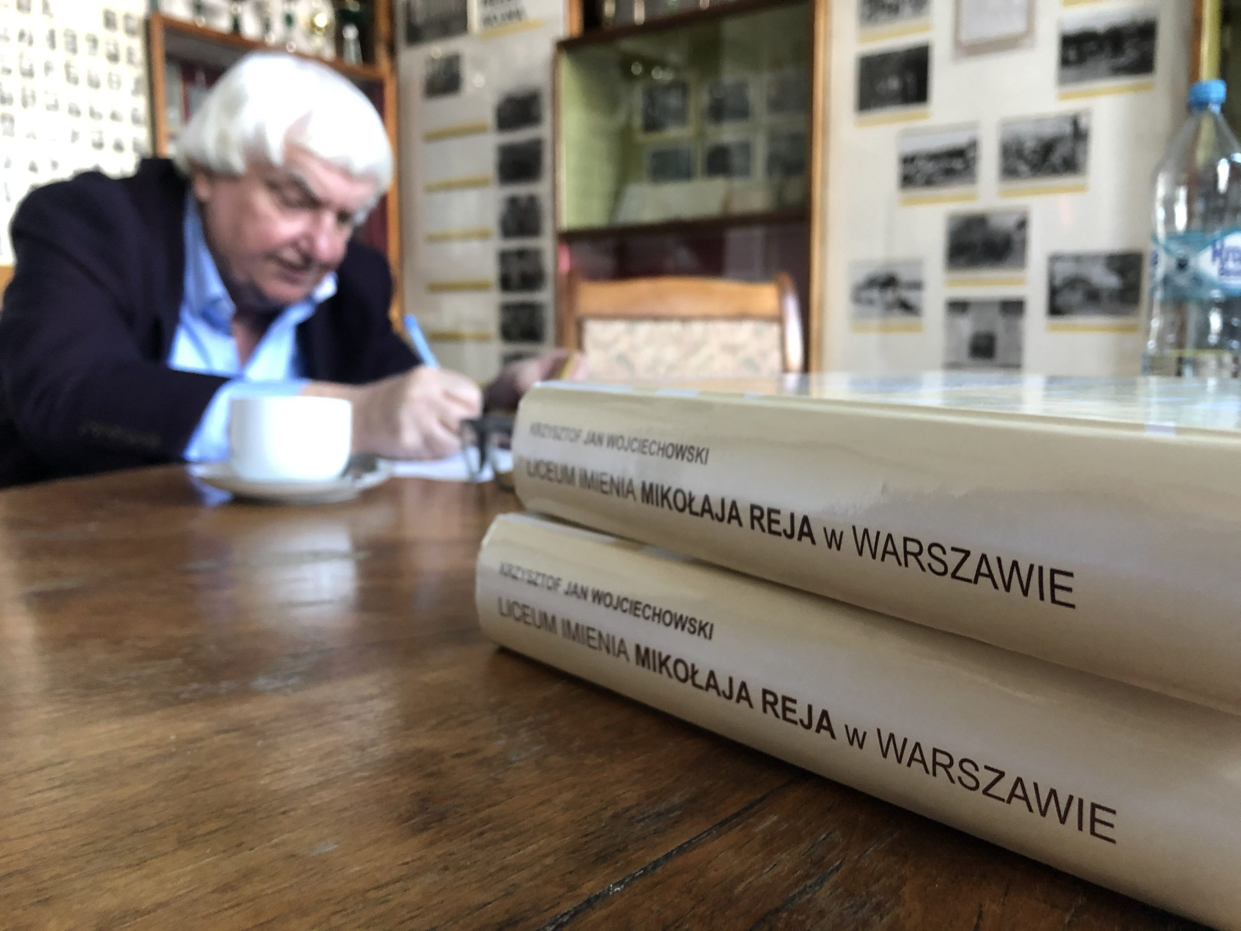 """Czy znacie """"Cafe Gruz""""? Wiecie, gdzie spotykali się Rejacy tuż po wojnie? Jak wyglądał wtedy Plac Małachowskiego? – Spotkanie z Panem Krzysztofem Janem Wojciechowskim"""